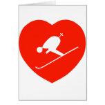 Corazón rojo de esquí del amor tarjeta de felicitación