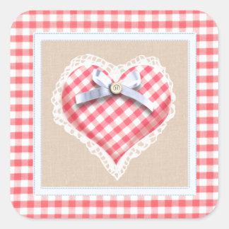 Corazón rojo de la guinga con el gráfico del arco pegatina cuadrada