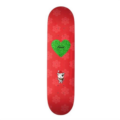 Corazón rojo de los copos de nieve del perro lindo patín