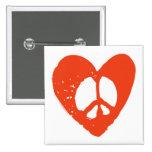 Corazón rojo del Grunge con el signo de la paz Pin