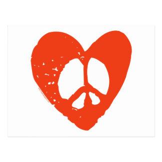 Corazón rojo del Grunge con el signo de la paz Postales