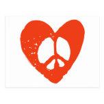 Corazón rojo del Grunge con el signo de la paz Tarjeta Postal
