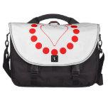 Corazón rojo en un círculo bolsas para portátil