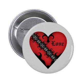 Corazón rojo medieval gótico romántico pin