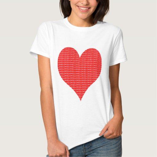 corazón rojo por completo de la camisa del amor