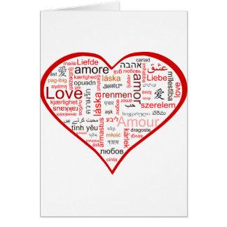Corazón rojo por completo del amor en muchas idiom felicitacion