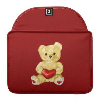 Corazón rojo que hipnotiza el oso de peluche lindo fundas macbook pro