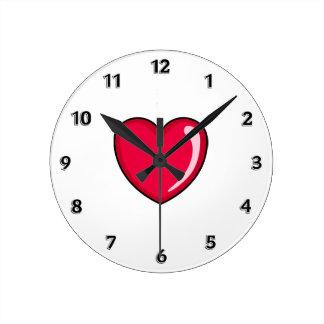 Corazón rojo reloj redondo mediano