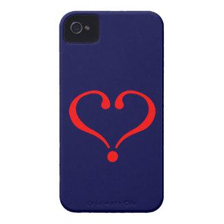 Corazón rojo y amor abierto en día de San Valentín Case-Mate iPhone 4 Fundas
