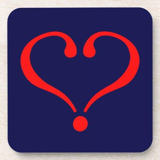 Corazón rojo y amor abierto en día de San Valentín Posavasos
