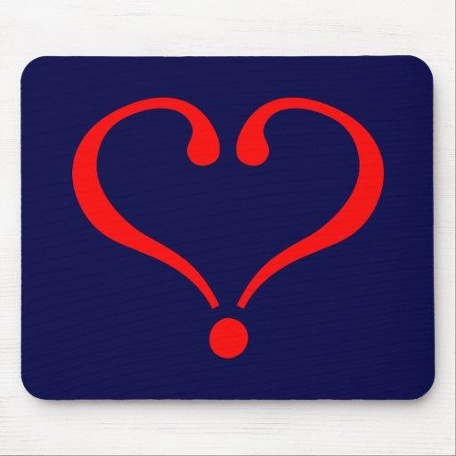 Corazón rojo y amor abierto en día de San Valentín Alfombrilla De Ratón