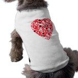 Corazón rojo y blanco. Diseño modelado del corazón Ropa De Perro