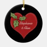 Corazón rojo y ornamento verde del navidad del ace adorno