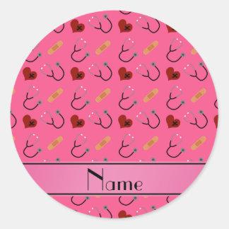 Corazón rosado conocido personalizado del vendaje pegatina redonda