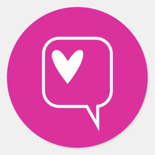 corazón rosado de la burbuja del discurso pegatinas redondas