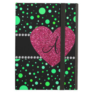 Corazón rosado de los lunares verdes del monograma