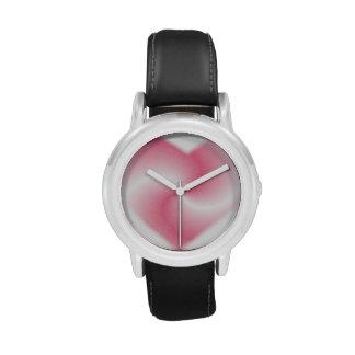 Corazón rosado del remolino relojes
