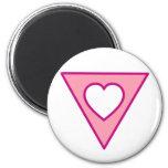 Corazón rosado del triángulo imán