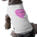 Corazón rosado. Diseño modelado del corazón Ropa De Perros