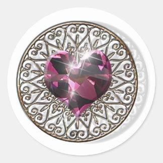 Corazón rosado pegatina redonda