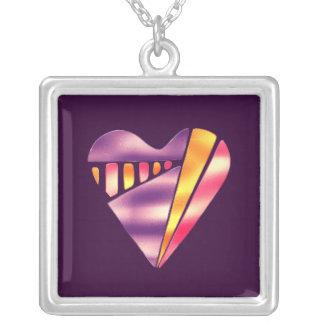 corazón rosado y púrpura del estilo de los años 80 colgante cuadrado