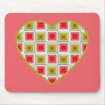 Corazón rosado y verde de los cuadrados alfombrilla de ratón