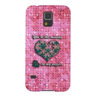 Corazón rosado y verde del rompecabezas fundas de galaxy s5