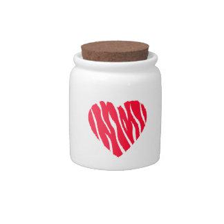 Corazón salvaje rojo del escarlata platos para caramelos