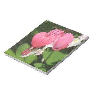 Corazón sangrante floral - páginas de la libreta blocs