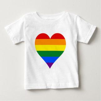 Corazón T-Shir del orgullo de LGBT Playera