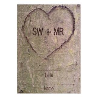 Corazón tallado en el árbol, naturaleza romántica tarjetas de visita grandes