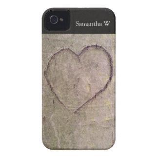 Corazón tallado en un árbol iPhone 4 Case-Mate cárcasa