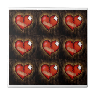 Corazón-teja del corazón quebrado de la reparación