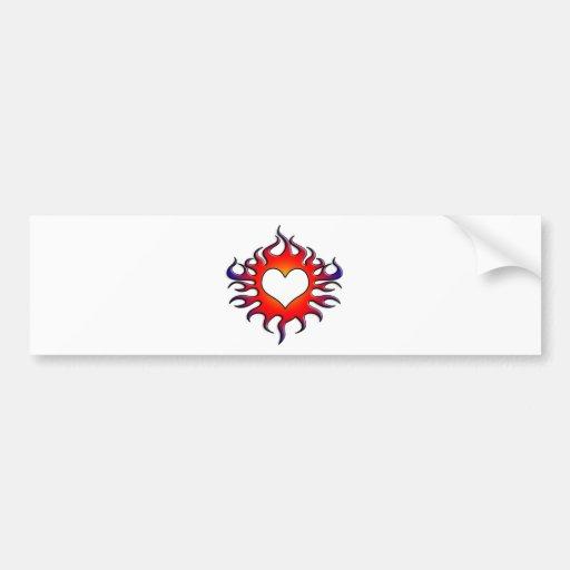 corazón tribal de las llamas etiqueta de parachoque