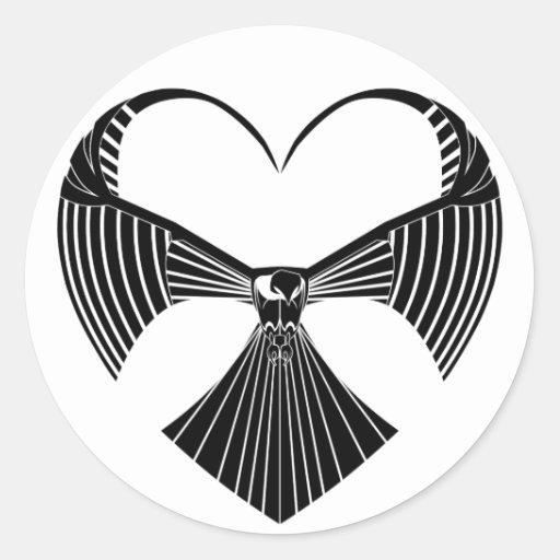 Corazón tribal del día de San Valentín del halcón Pegatina Redonda