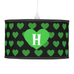Corazón verde claro grande y fondo negro