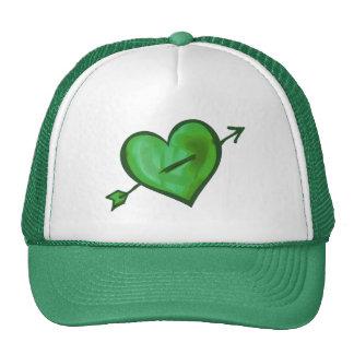 Corazón verde con la flecha gorros bordados