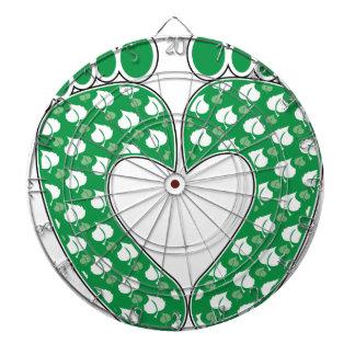 Corazón verde de la huella tablero dardos