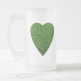 Corazón verde. Diseño modelado del corazón Taza De Cristal