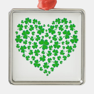 Corazón verde irlandés del trébol adorno cuadrado plateado