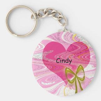 Corazón y arco abstractos rosados llavero redondo tipo pin