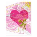 Corazón y arco abstractos rosados postal