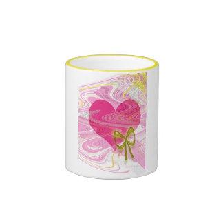 Corazón y arco abstractos rosados tazas