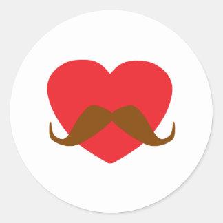 corazón y bigote rojos pegatinas redondas