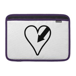 Corazón y flecha fundas MacBook