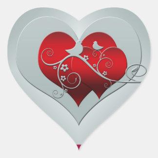 Corazón y palomas en plata y rojo pegatina en forma de corazón