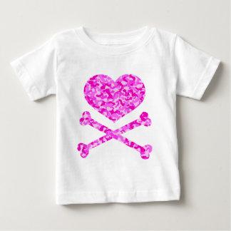 corazón y rosa urbano del camo de los huesos de la t-shirts