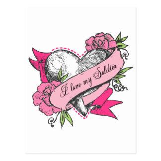 Corazón y rosas postal