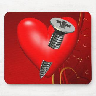 Corazón y tornillo rojos tapetes de raton