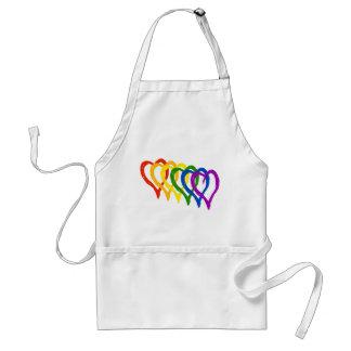 Corazones acodados arco iris del orgullo gay de la delantal